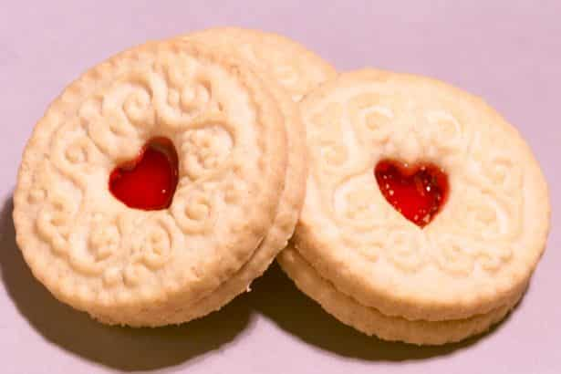Brexit talks in CHAOS after British delegation walks out over 'lack of Jammie Dodgers'